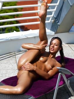 Dominika C Legendary Meaty Pussy