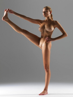 Luba Shumeyko Naked Yoga Pictures