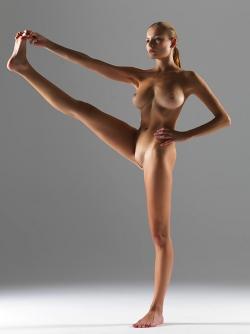 Luba Shumeyko Naked Yoga Pictures