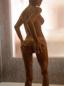 Sexy Bathtime with a Delicious Latin Babe Denisse Gomez