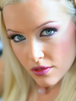 Foxy Blonde Beauty Sophie Moon Teasing you with her Blue Eyes