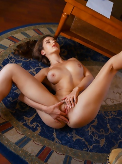 Green Eyed Brunette Babe Elina is Fingering her Fine Juicy Pussy