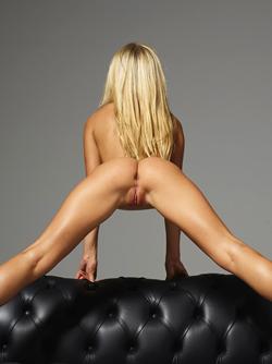Busty Blonde Darina L Skin To Skin