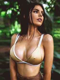 Australian Beauty Nicole Thorne Posing in Sexy Underwear