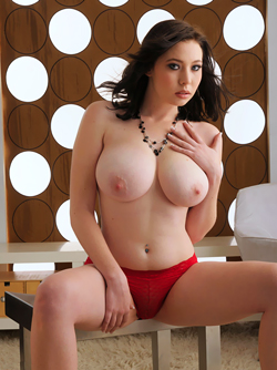 Fucking Hot Babe Bitsy Showing off her Big Boobs and Shaved Pussy
