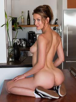 Dakota Burd Taking off her Yoga Pants and Showing Tight Sexy Body