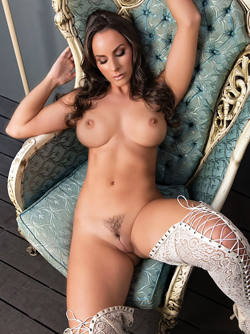 Beautiful Playmate Rebecca Lynn, Trimmed Pussy and Sexy Long Legs