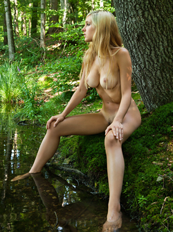 Sensual Blonde Corinna Lakeside