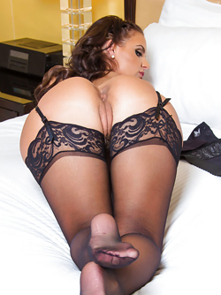Brunette Pornstar Phoenix Marie Wants to Fuck in her Stockings