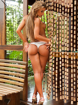 Damn Hot Girls with Beautiful Big Booties - Treats from Brazil
